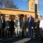 Phil Hogan visita finca Sinyent de AVA-ASAJA