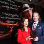 El Dr. Pearse Lyons recibe la medalla Kennedy-Lemass de 2018