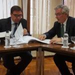 Olona anuncia el desbloqueo de las balsas de Ballobar y Ontiñena tras la reunión con el ministro