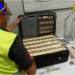 La Guardia Civil y la Agencia Tributaria incautan en el aeropuerto de Alicante-Elche más de 5.000 cajetillas de tabaco en la última semana