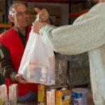 El Gobierno autoriza la contratación de alimentos para la ayuda a las personas más desfavorecidas