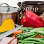 El consumo de frutas y hortalizas frescas se reduce un 2,9% en los hogares en el primer trimestre y el gasto un 1,6%